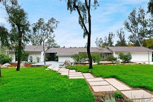 Photo of 15518 La Madreselva, Rancho Santa Fe, CA 92067 (MLS # NDP2105076)