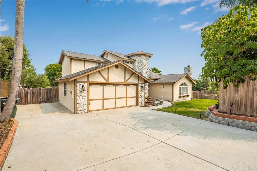 Photo of 1750 Silver Fox Lane, Vista, CA 92083 (MLS # 200045076)