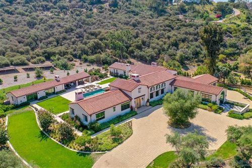 Photo of 4537 La Orilla, Rancho Santa Fe, CA 92067 (MLS # 210028077)