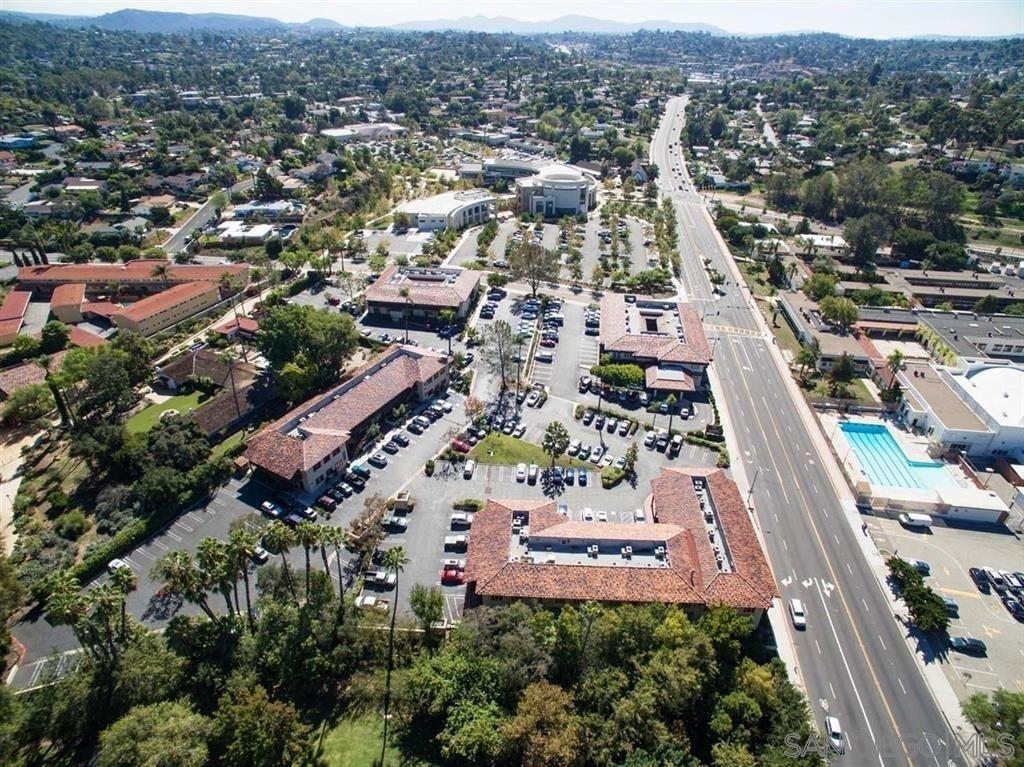 Photo of 122-202 Civic Center Dr, Vista, CA 92084 (MLS # 210001078)