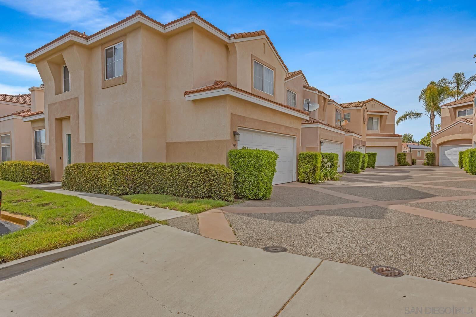Photo of 940 Caminito Estrella, Chula Vista, CA 91910 (MLS # 210021081)