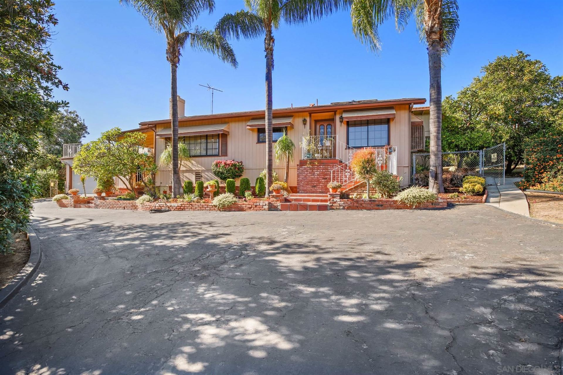 Photo of 2210 E Alvarado St, Fallbrook, CA 92028 (MLS # 200052084)