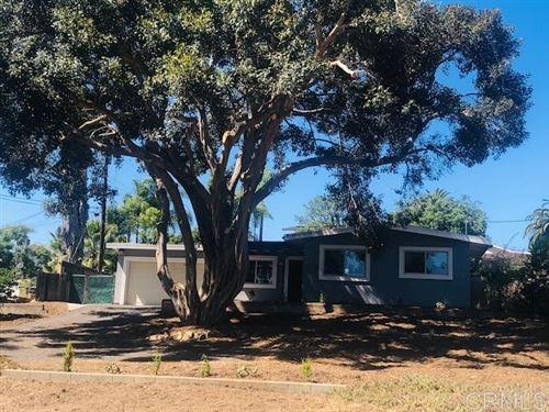 Photo of 916 Crescent Drive, Vista, CA 92084 (MLS # 200031090)