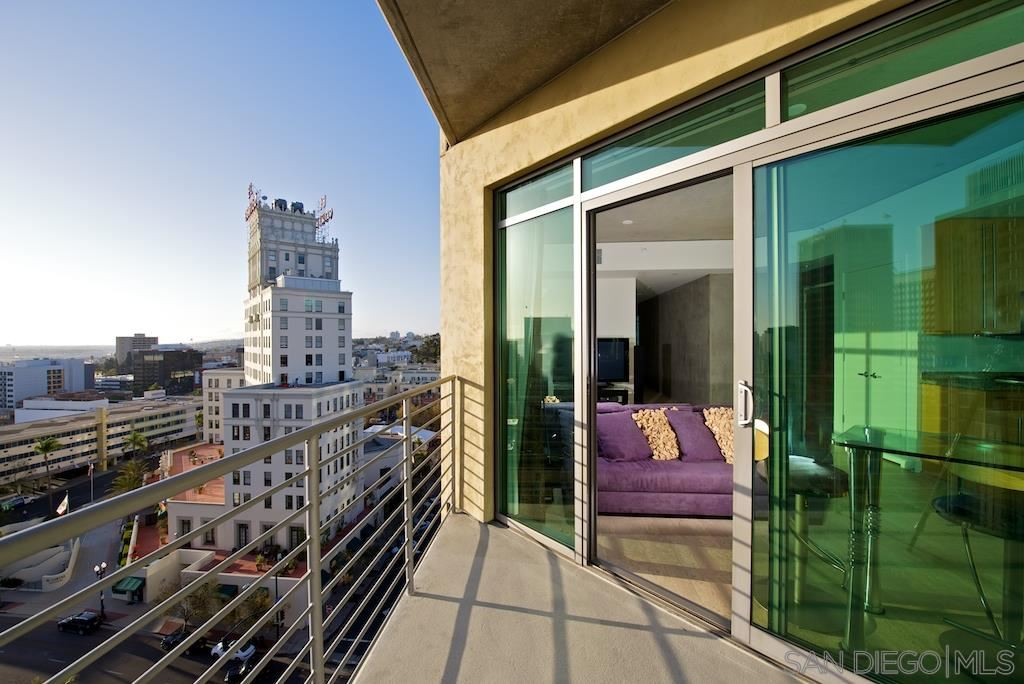 Photo for 801 Ash St #1201, San Diego, CA 92101 (MLS # 190033091)
