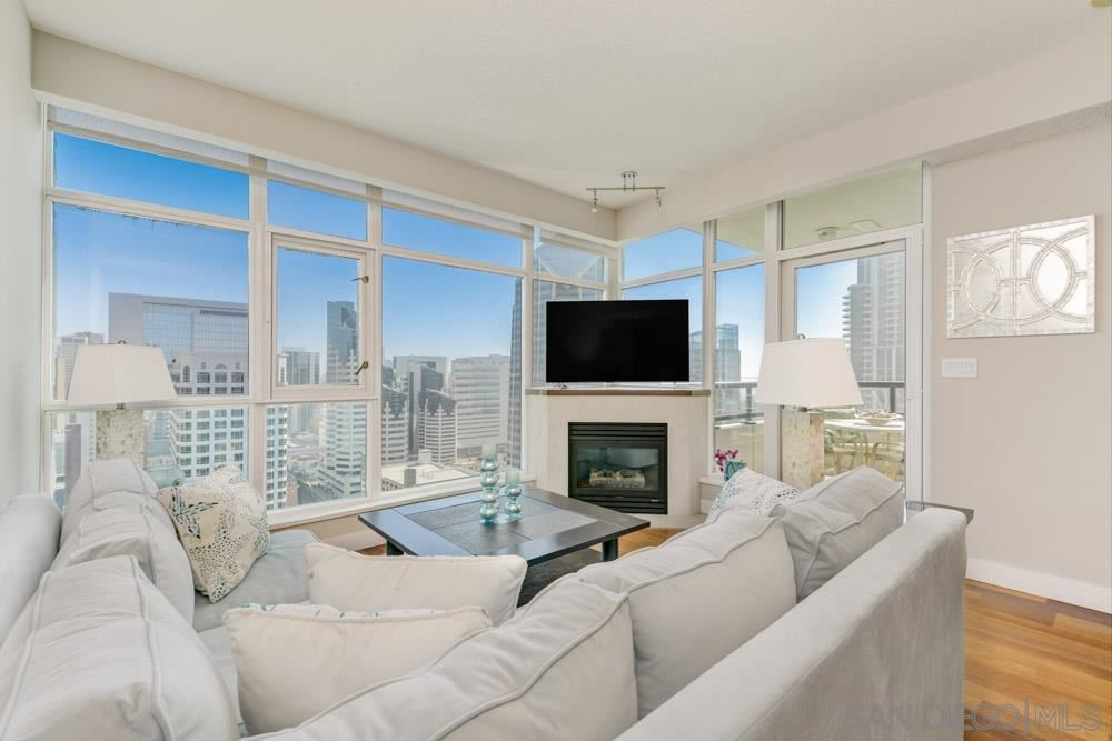 Photo for 1199 Pacific Highway #2803, San Diego, CA 92101 (MLS # 210003091)