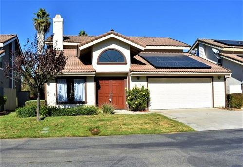Photo of 10358 Oak Ranch Lane, Escondido, CA 92026 (MLS # 200049094)