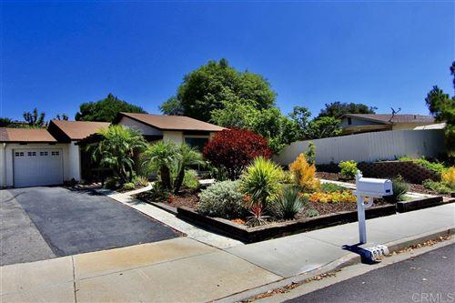 Photo of 4572 Beverly Glen Dr, Oceanside, CA 92056 (MLS # 200032096)