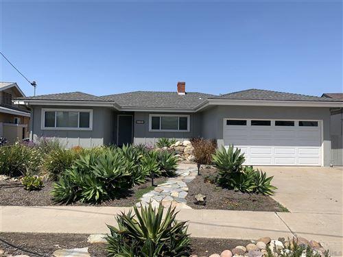 Photo of 6738 Rolando Knolls Drive, La Mesa, CA 91942 (MLS # 210013098)