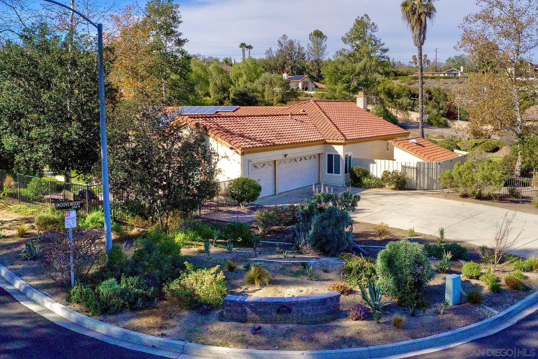 Photo of 13892 Oakstand Road, Poway, CA 92064 (MLS # 210001101)