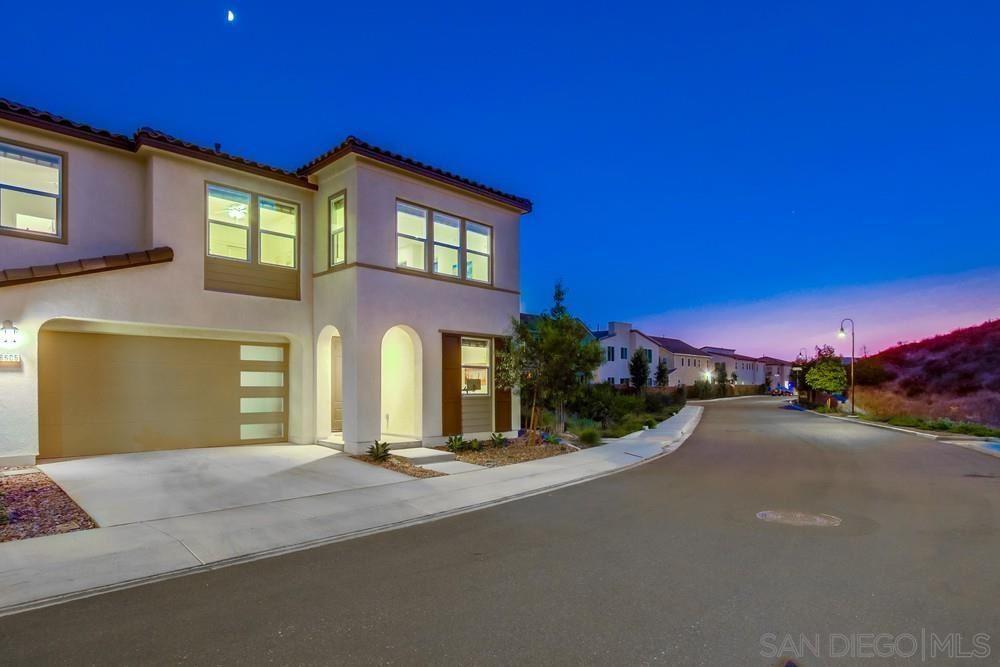 Photo of 8605 Boulder Vista, Santee, CA 92071 (MLS # 210026104)