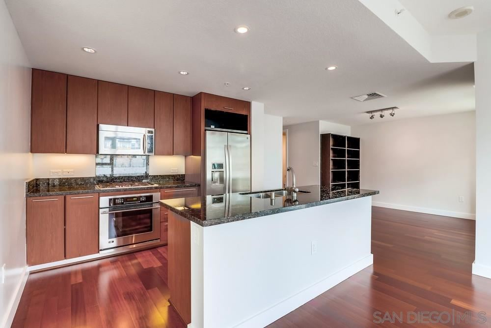 Photo for 1205 Pacific Hwy #404, San Diego, CA 92101 (MLS # 190038105)