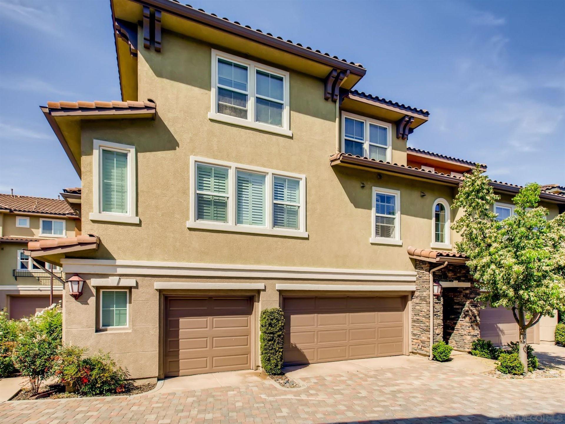 Photo of 81 Via Sovana, Santee, CA 92071 (MLS # 210016109)