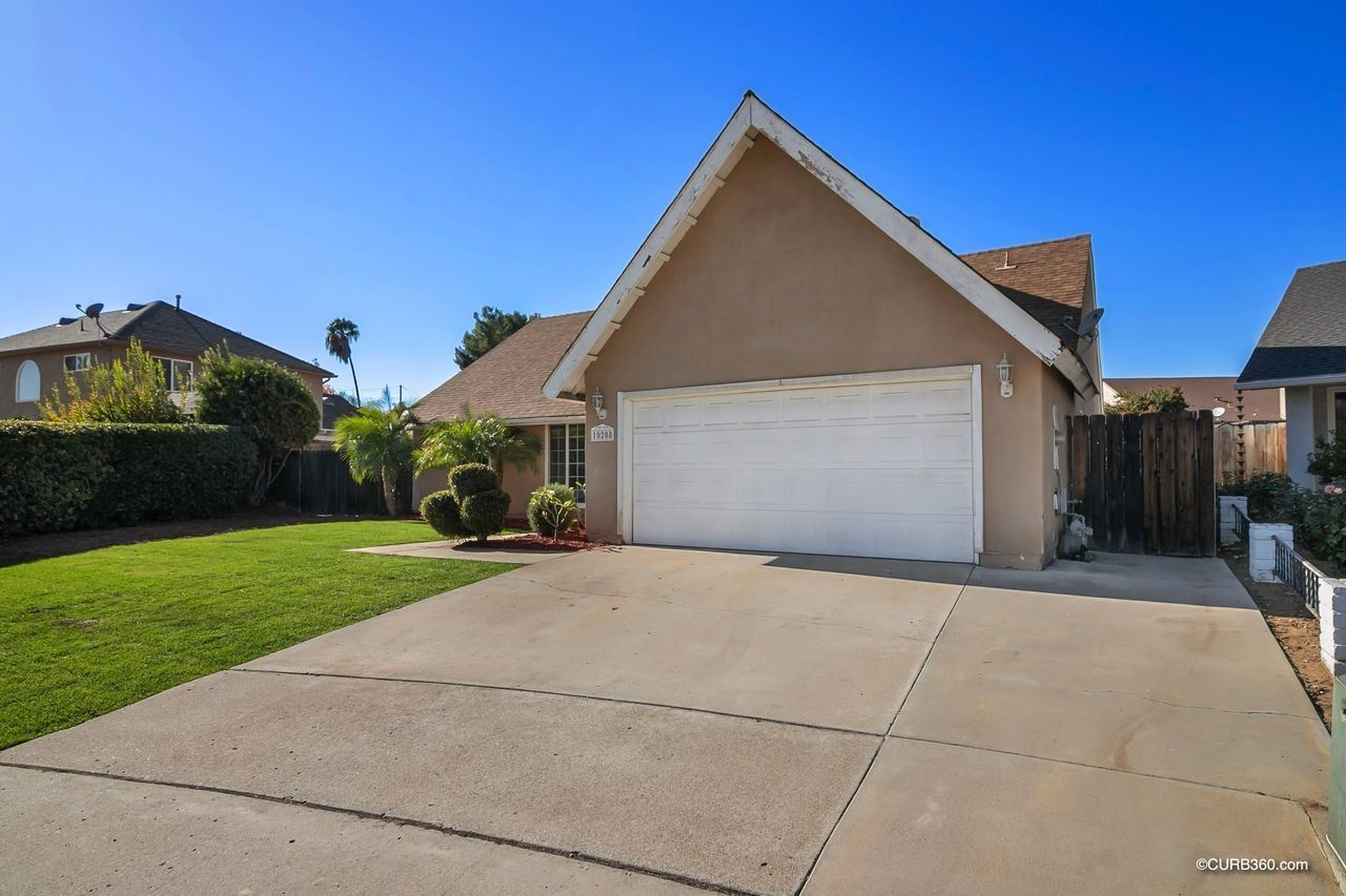 Photo of 10208 Carnero Place, Lakeside, CA 92040 (MLS # 200052110)