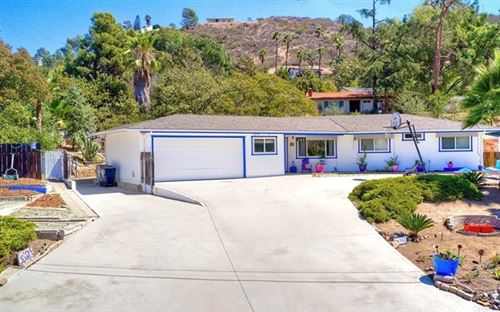 Photo of 26357 Crescendo Drive, Escondido, CA 92026 (MLS # NDP2111112)