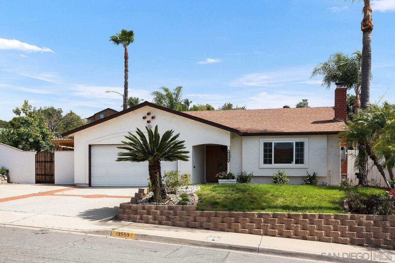 Photo of 13553 Laguna Vista, El Cajon, CA 92021 (MLS # 210009112)