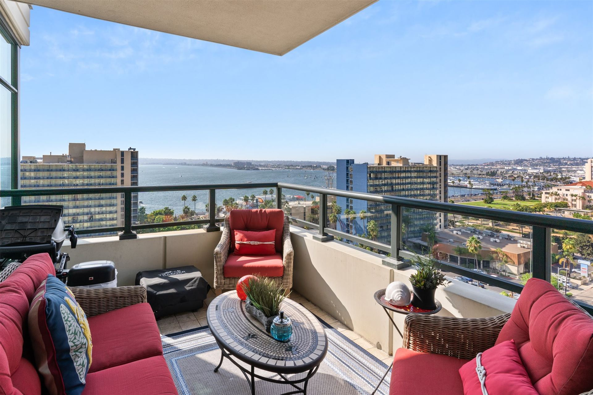 Photo for 1205 Pacific Highway #1401, San Diego, CA 92101 (MLS # 200048131)