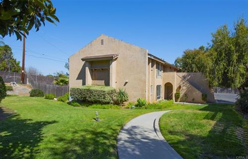 Photo of 322 Ivy Lane, Fallbrook, CA 92028 (MLS # NDP2102134)