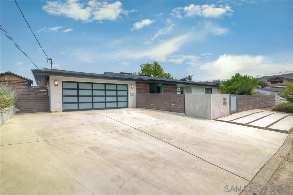 Photo of 12827 Montauk St, Poway, CA 92064 (MLS # 200045136)