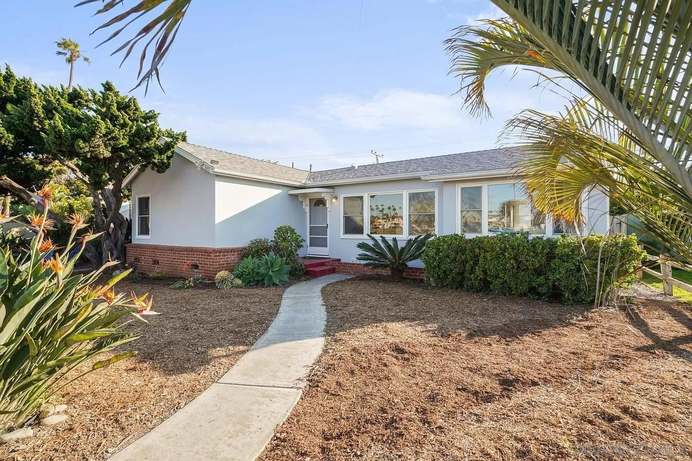 Photo of 1615 S Myers #A, Oceanside, CA 92054 (MLS # 210029136)