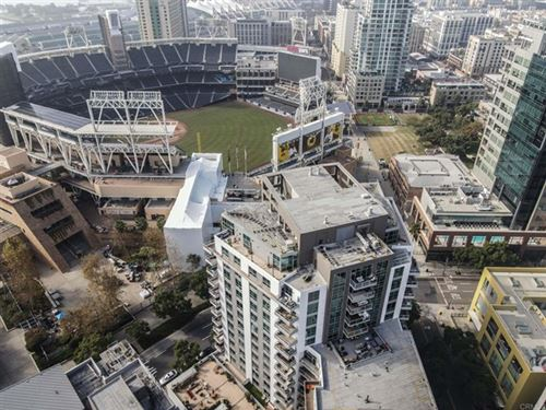 Photo of 206 Park Blvd #613, San Diego, CA 92101 (MLS # PTP2100137)
