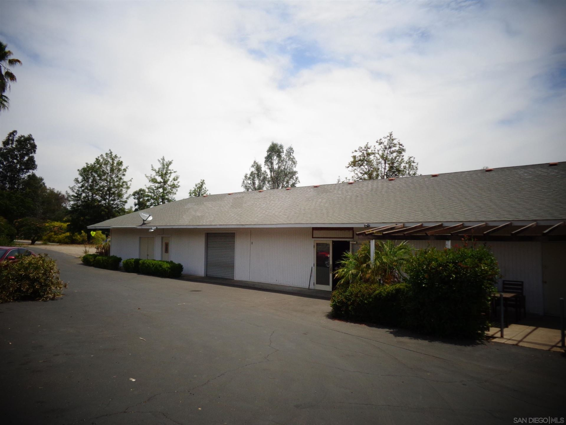 Photo of 28560 Lilac Rd, Valley Center, CA 92082 (MLS # 210014138)