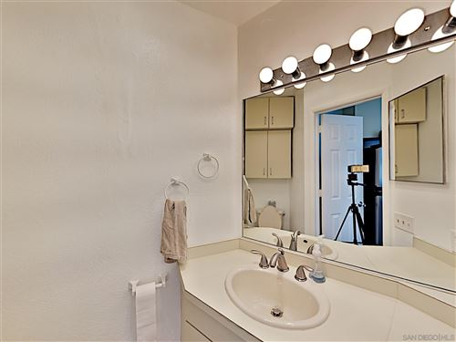 Tiny photo for 801 Whiting Court, San Diego, CA 92109 (MLS # 200049139)