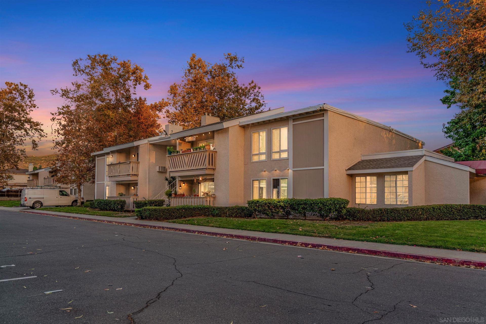 Photo of 512 Sandalwood Pl #4, Escondido, CA 92027 (MLS # 210029144)