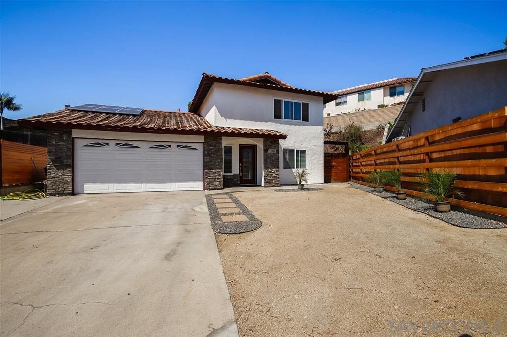 Photo of 317 Huff St, Vista, CA 92083 (MLS # 200030148)