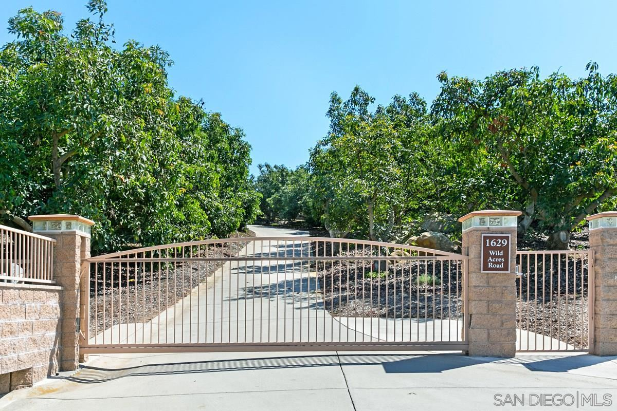 Photo of 1629 Wild Acres Rd, Vista, CA 92084 (MLS # 210005150)