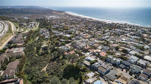 Photo of 509 Chesterfiled, Cardiff by the Sea, CA 92007 (MLS # NDP2102154)