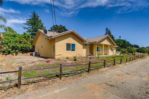 Photo of 134 La Lomita, Escondido, CA 92026 (MLS # 200023157)