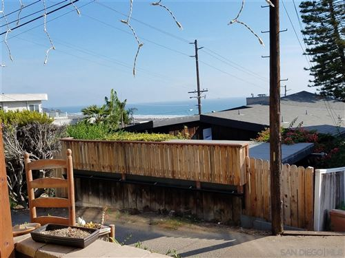 Photo of 2476 OXFORD AVENUE #B, CARDIFF BY THE SEA, CA 92007 (MLS # 200006162)