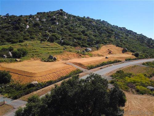 Photo of 12649 Via Vigneto, Lakeside, CA 92040 (MLS # 200032163)