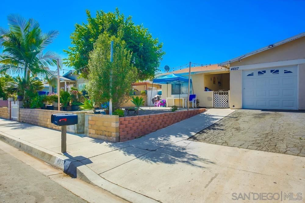 Photo of 4657 Calle Del Palo, Oceanside, CA 92057 (MLS # 210021171)