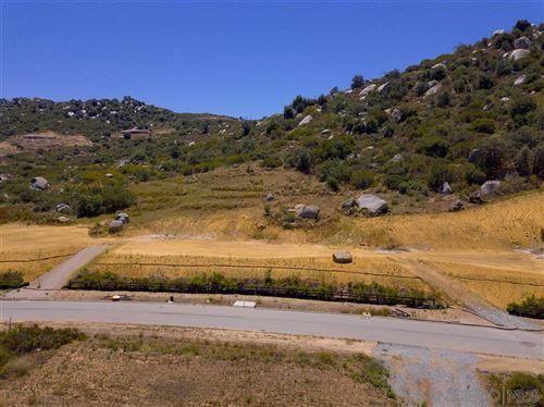 Photo of 12635 Via Vigneto, Lakeside, CA 92040 (MLS # 200032178)