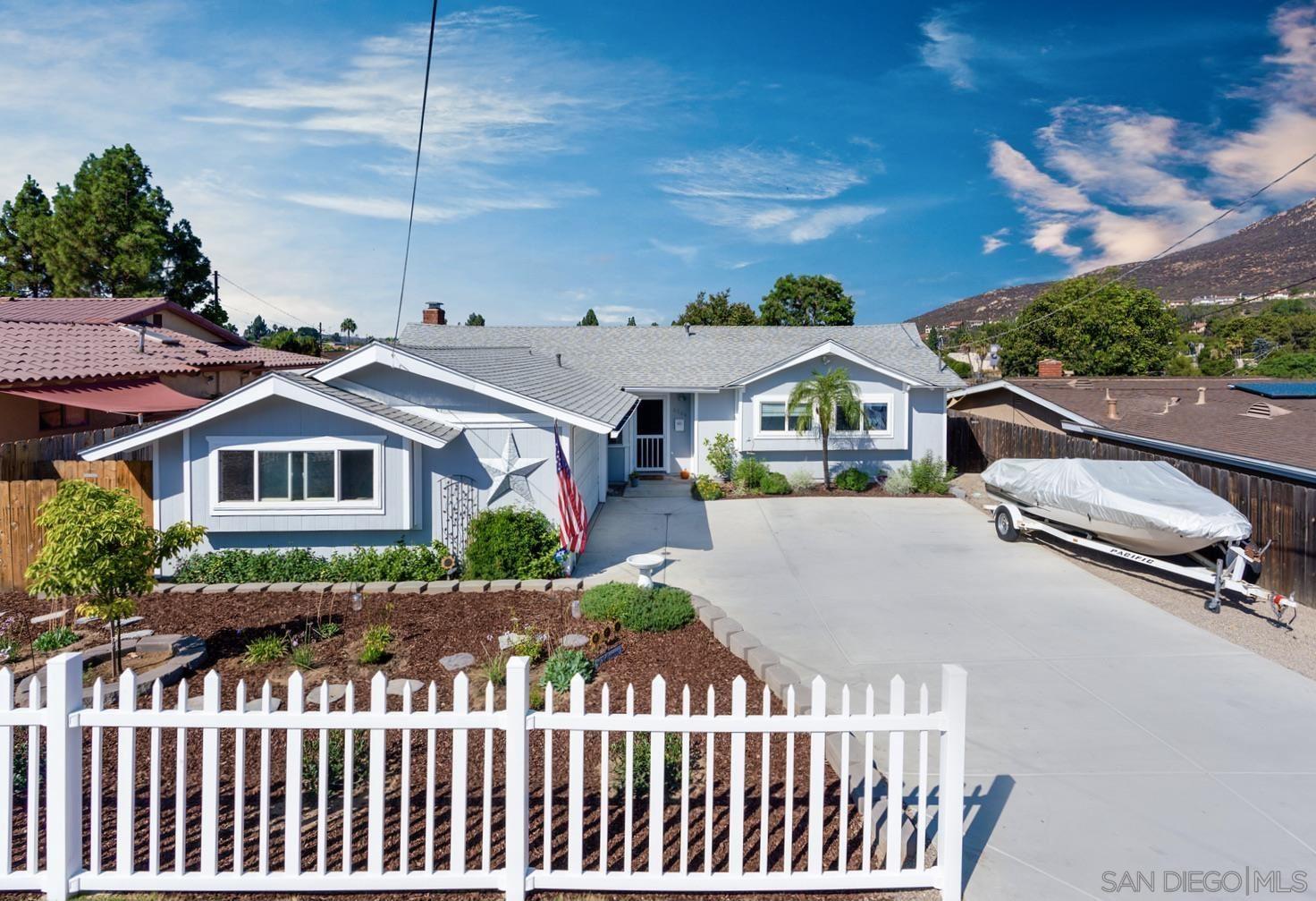 Photo for 6564 Bantam Lake Ave, San Diego, CA 92119 (MLS # 210026181)
