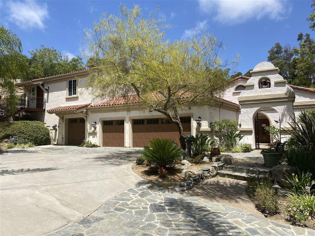 Photo of 657 Rolling Hills Road, Vista, CA 92081 (MLS # 200034191)