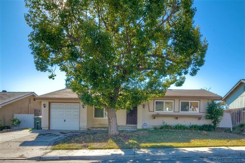 Photo of 12627 Orohaven Ln, Poway, CA 92064 (MLS # 200054198)