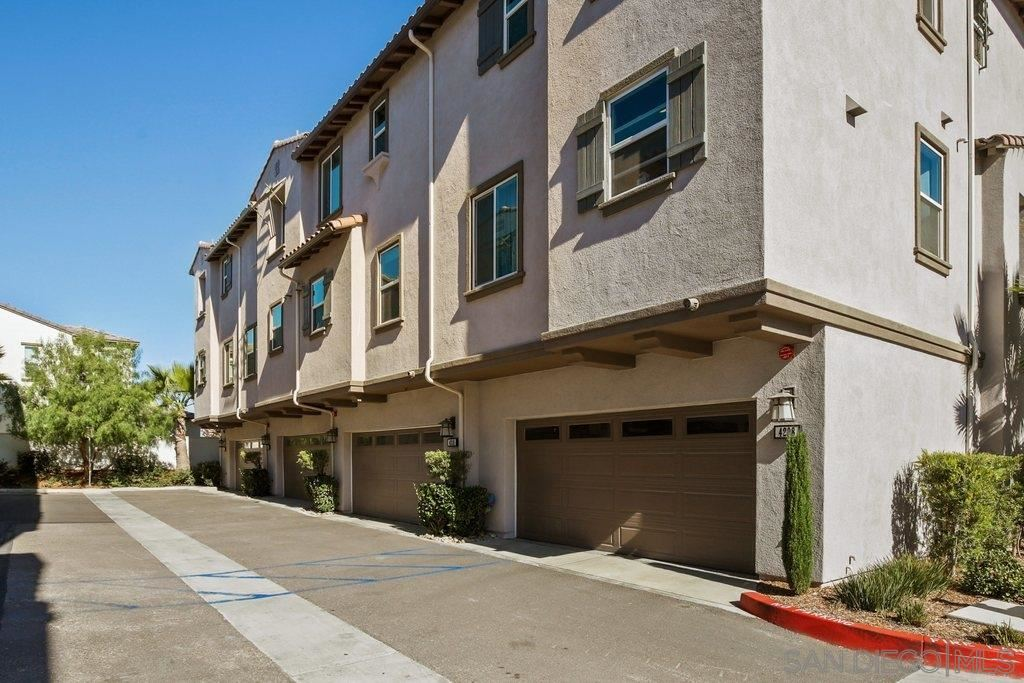 Photo of 4210 Mission Ranch Way, Oceanside, CA 92057 (MLS # 200052201)