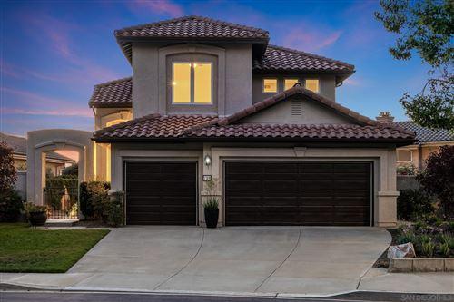 Photo of 798 Calle Montera, Escondido, CA 92025 (MLS # 210017204)