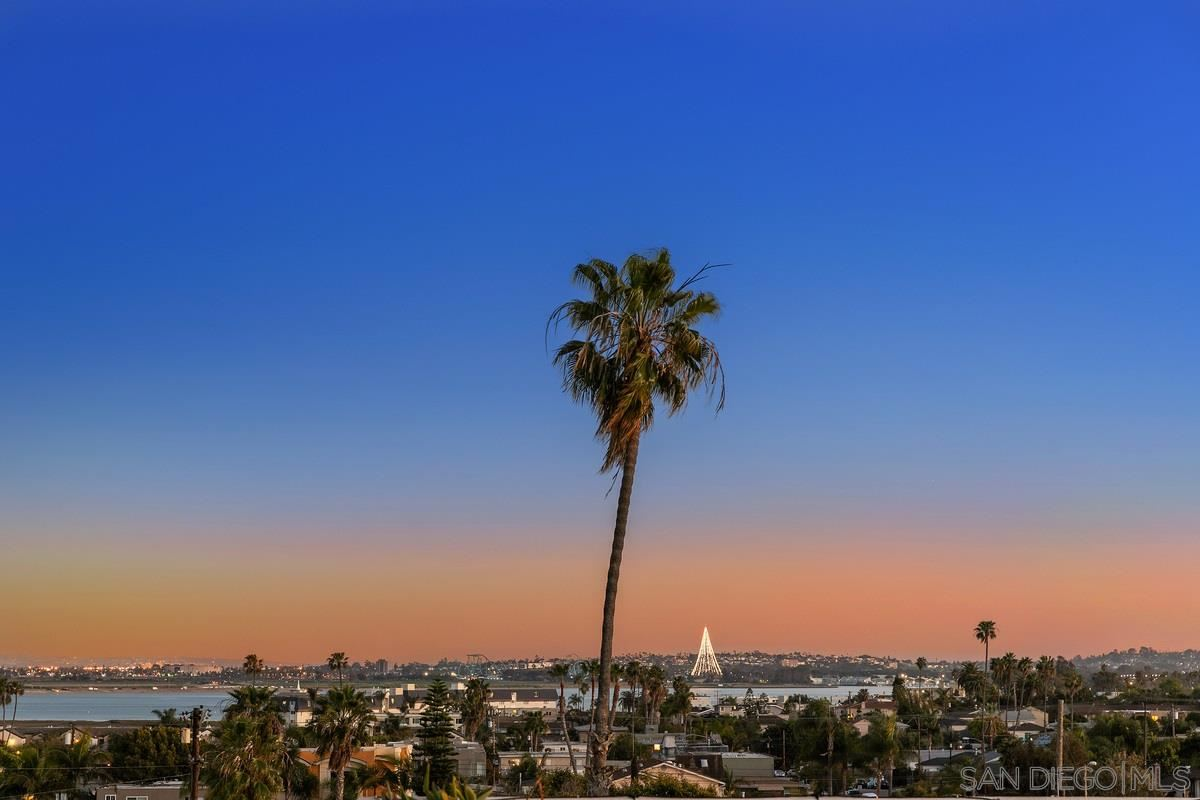 Photo for 2022 Hornblend Street, San Diego, CA 92109 (MLS # 210007214)