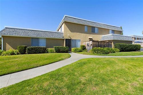 Photo of 1102 Madera Lane, Vista, CA 92084 (MLS # NDP2102219)