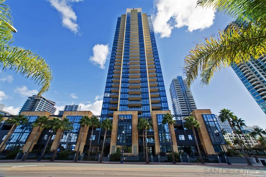 Photo for 1325 Pacific Highway #2703, San Diego, CA 92101 (MLS # 190023219)