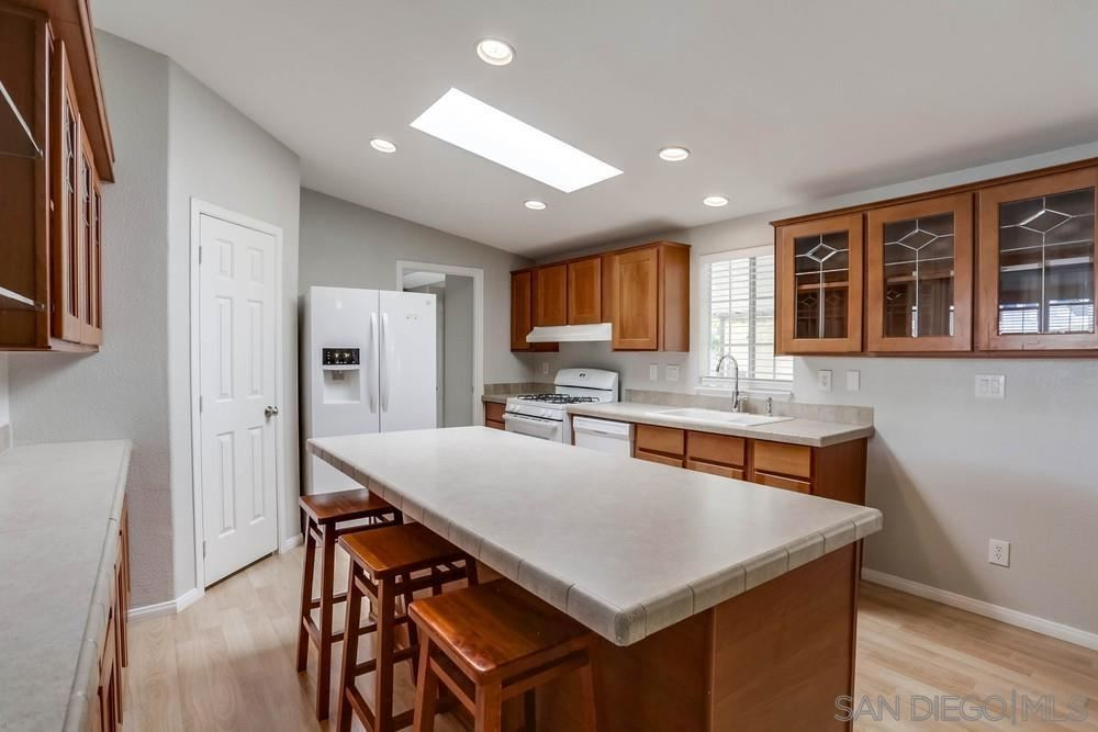 Photo of 809 Discovery St #38, San Marcos, CA 92078 (MLS # 210029219)