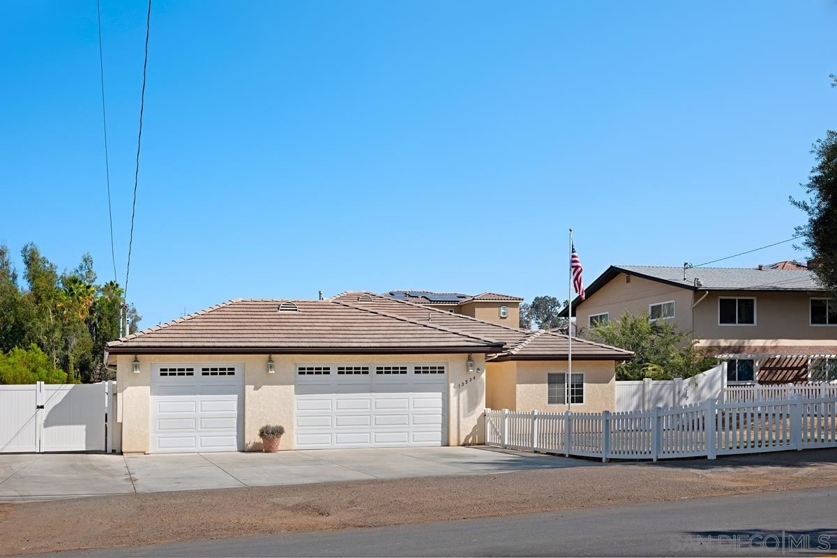 Photo of 13536 E Lakeview Rd, Lakeside, CA 92040 (MLS # 210026223)