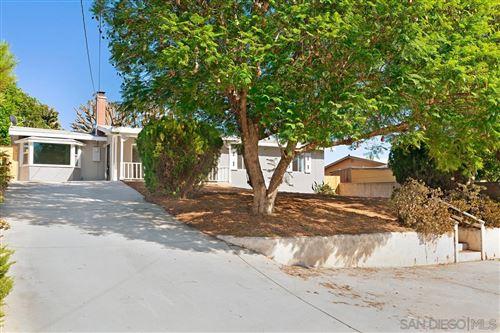 Photo of 440 Debby St, Fallbrook, CA 92028 (MLS # 210026227)