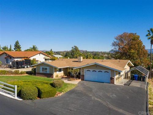 Photo of 648 Morro Rd, Fallbrook, CA 30511 (MLS # NDP2003227)