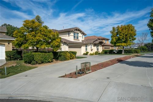 Photo of 1295 Hagen Oakes Ct, Escondido, CA 92026 (MLS # 200024231)