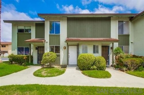Photo of 1622 Rue De Valle, San Marcos, CA 92078 (MLS # 200046233)