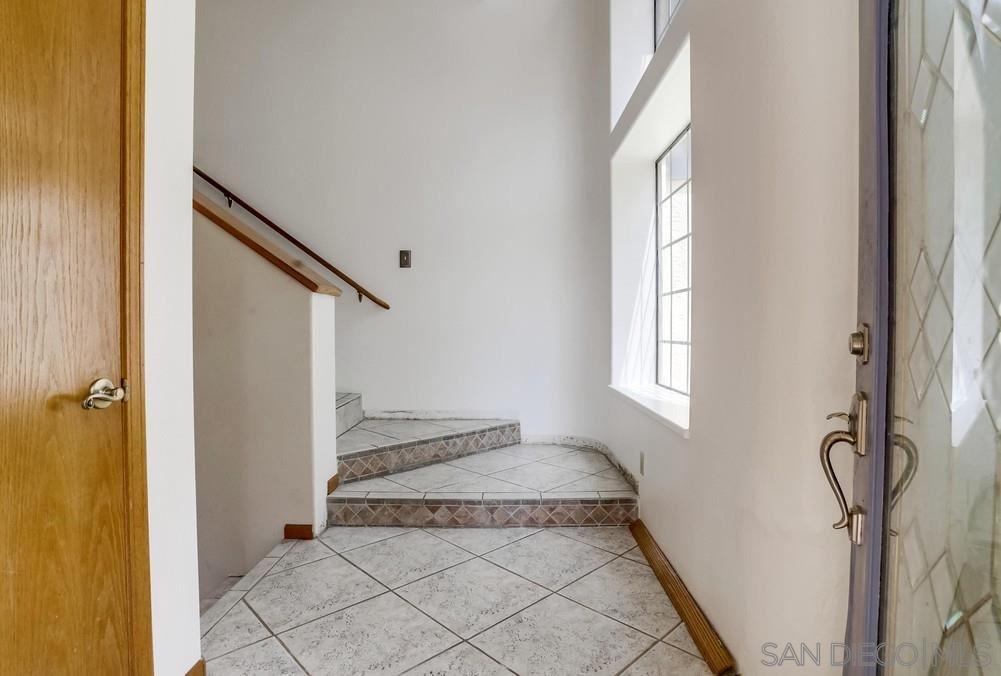 Photo of 3690 Lupine Ln, Fallbrook, CA 92028 (MLS # 210008237)